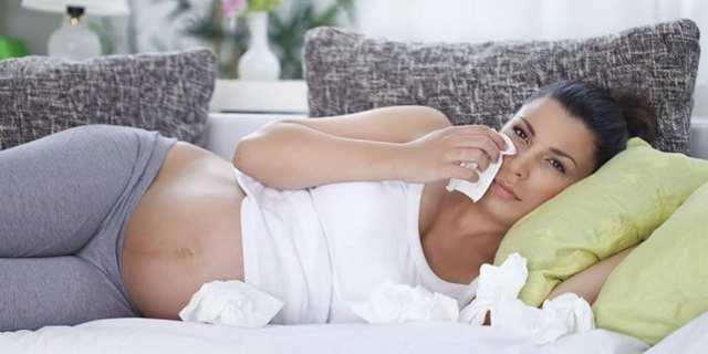Лечение насморка при беременности: причины возникновения инфекционного и неинфекционного ринита, характерные симптомы и методы лечения в домашних условиях, меры профилактики, советы и рекомендации специалистов