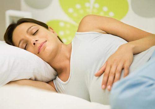 Можно ли спать на спине во время беременности: идеальные позы для сна на разных сроках, сопутствующие факторы нарушения, рекомендации гинеколога