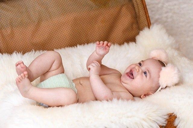 Развитие ребенка с первого года жизни: основные показатели нервно-психического и физического роста малыша, становление речи и бытовых навыков, основные моменты