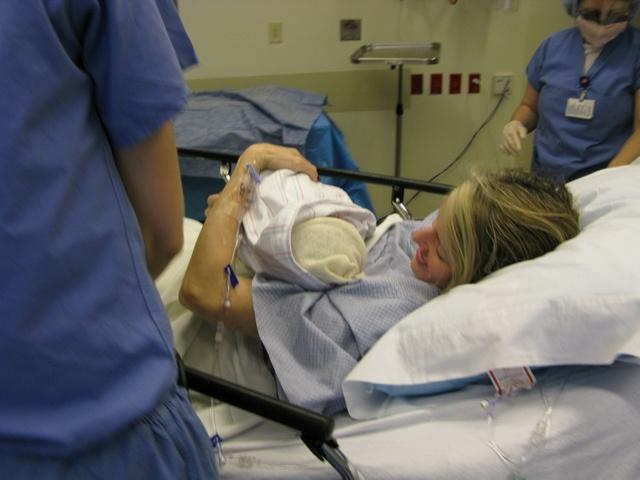 Родовые травмы: основные причины, последствия для ребенка от различных повреждений, методики лечения и реабилитации новорожденного