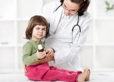 Сальмонеллёз у детей: причины развития патологии, клиническая картина в зависимости от формы заболевания, медикаментозные и народные методы лечения, особенности питания и возможные осложнения
