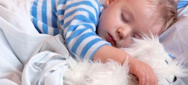 Совместный сон с ребенком: польза и вред практики, мнение перинатологов и специалистов, скрытые опасности и возможные решения проблемы