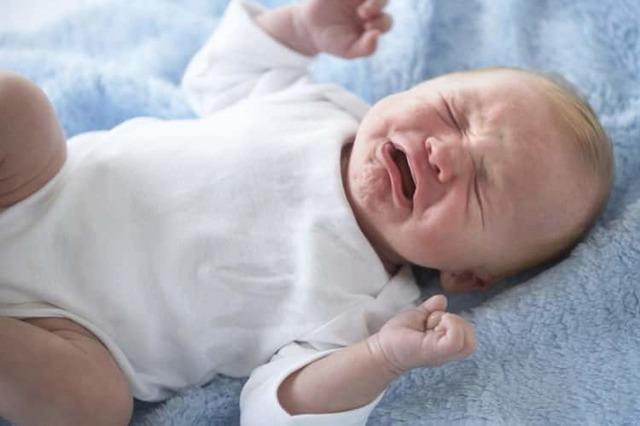 Укропная водичка для новорожденных: показания и противопоказания к употреблению, состав и полезные свойства фенхеля, дозировка и способ приема, цена в аптеке и рецепт приготовления