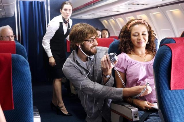 Авиаперелет при беременности: требования авиакомпаний, меры предосторожности и возможные осложнения