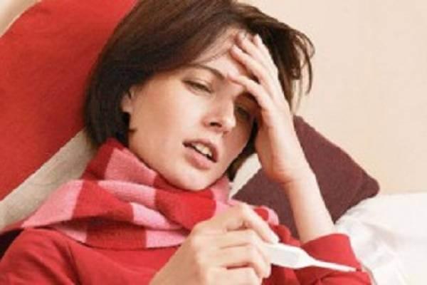Что делать, если болит горло, температура, рвота и кашель?
