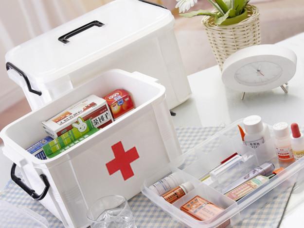 Детская аптечка: особенности набора, список препаратов и медицинских инструментов, правила хранения