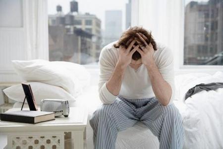 Дневные и ночные поллюции у взрослого мужчины: возможные заболевания, сопутствующие симптомы, методы обследования и принципы лечения