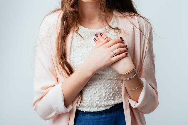 Фиброзирующий аденоз молочной железы: что означает, как проявляется на УЗИ