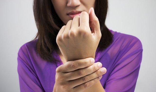 Гемолитическая анемия по анализу крови: причины заболевания, сопутствующие симптомы, варианты терапии