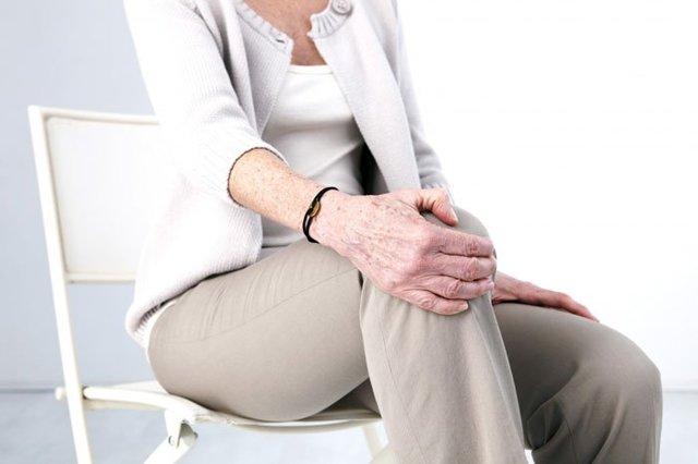 Гимнастика при артрозе коленного сустава: комплекс упражнений, правила выполнения, возможные противопоказания