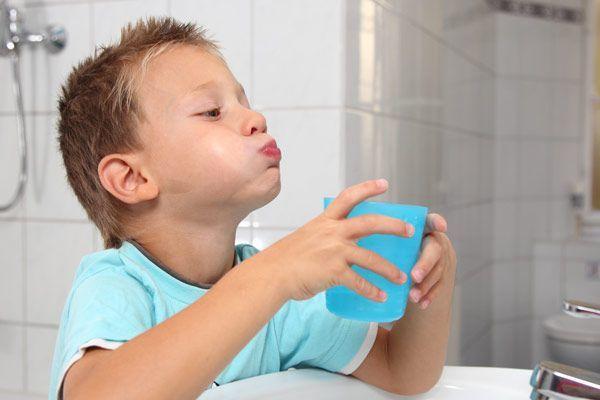 Гнойная ангина у ребенка и взрослого: симптомы и лечение заболевания в домашних условиях