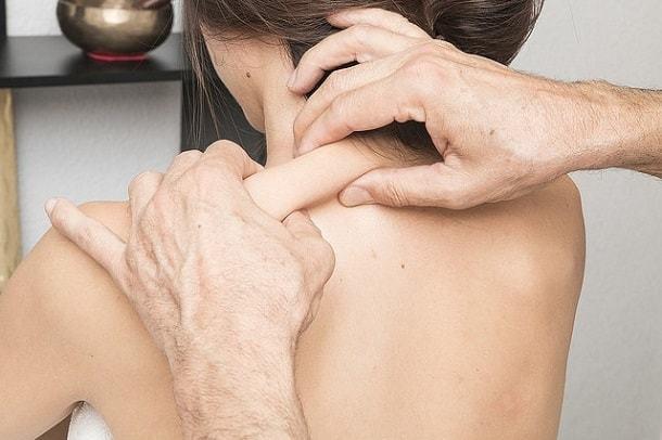 Головная боль при грудном вскармливании: какие лекарства разрешены?