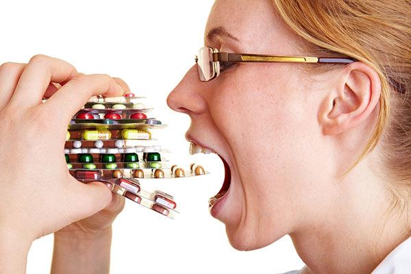 Гормонсодержащие препараты при климаксе: перечень средств, их преимущества и недостатки, рекомендации по подбору