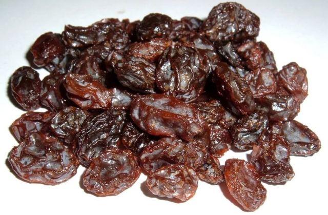 Изюм: вредные и полезные свойства сушеных ягод, советы по употреблению