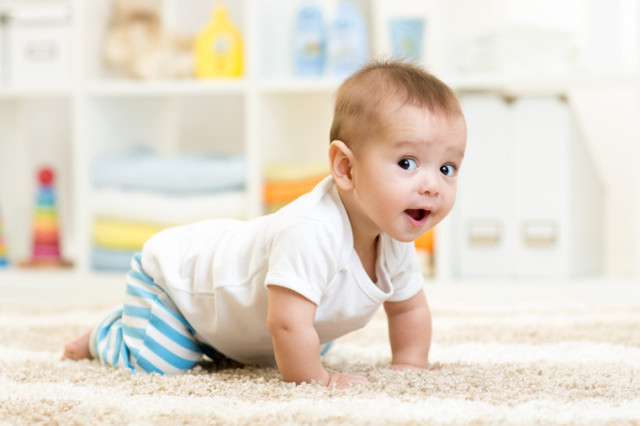 Как научить ребенка ползать: эффективные упражнения, возрастные критерии, советы доктора Комаровского