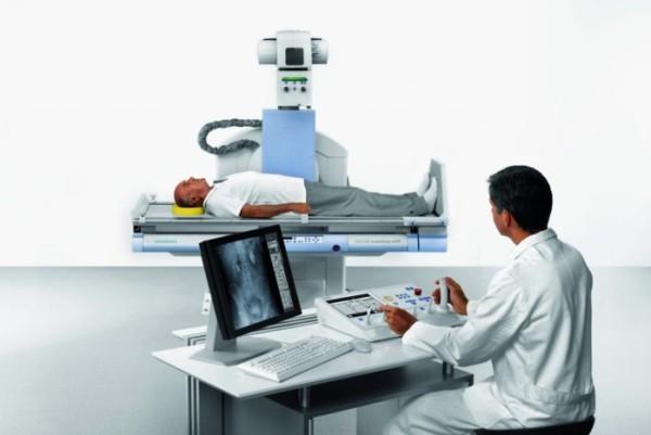Как подготовится к рентгену позвоночника: какие болезни можно обнаружить?