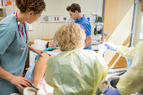 Как уменьшить разрывы промежности в родах: причины разрывов мягких тканей, врачебная помощь, восстановительный период