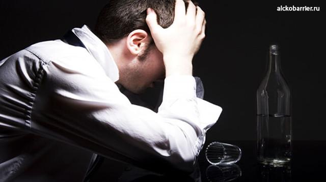 Как вывести человека из запоя: неотложная помощь и методы лечения