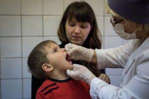 Какие противопоказания к вакцинации полиомиелита?