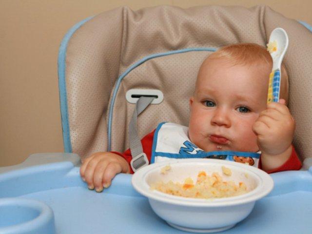 Каши для первого прикорма: схема ввода в рацион, советы по подбору, особенности приготовления