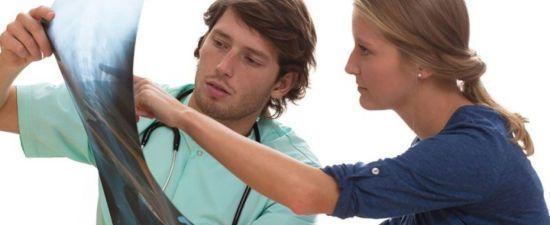 Килевидная грудная клетка у ребенка: общая характеристика, причины образования дефекта, эффективные виды лечения