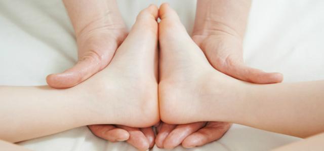 Косолапость у детей: приобретенная и врожденная, лечение