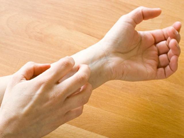 Механическая крапивница: причины возникновения, симптомы, диагностика, методы лечения