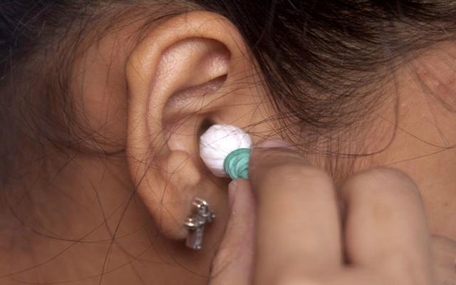 Кровотечение из уха: провоцирующие факторы, тактика лечения и меры профилактики