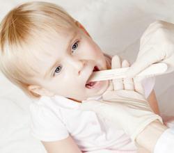 Ларингит у детей: характерные симптомы, принципы лечения, советы доктора Комаровского