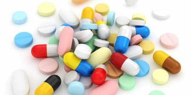 Лекарственные средства от кашля для взрослых: лучшие комплексы
