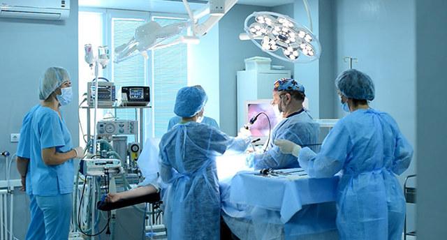 Литотрипсия камней почек: разновидности процедуры, преимущества и недостатки, возможные осложнения