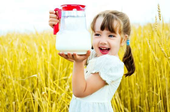 Молоко: польза и вред, химический состав и энергетическая ценность