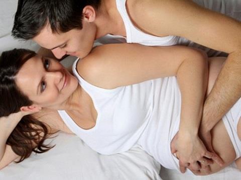 Можно ли заниматься сексом при беременности: психологические аспекты, опасные периоды, польза и вред