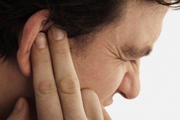 Наружный отит, «ухо пловца»: причины возникновения, клинические проявления, диагностика и способы лечения