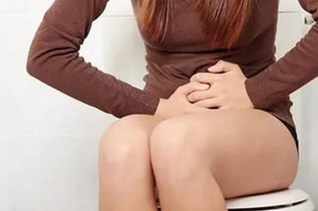 Неприятные ощущения в правом боку живота: виды болей, общие заболевания для мужчин и женщин