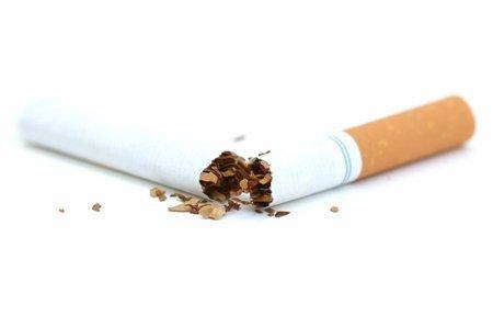 Нужно ли бросать курить после 20 лет курения: как избавиться от табачной зависимости?