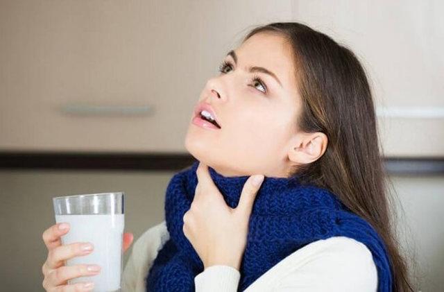 Отвары для полоскания горла при ангине детям и взрослым, травы при тонзиллите