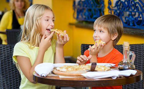 Ожирение у детей и подростков: причины и симптомы избыточного веса, своевременная профилактика и лечение болезни, центильные таблицы