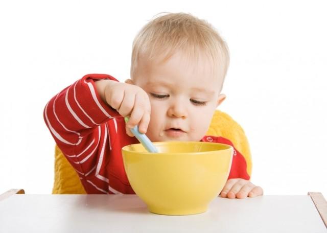 Педагогический прикорм при грудном вскармливании: преимущества и недостатки, правила введения, мнение доктора Комаровского