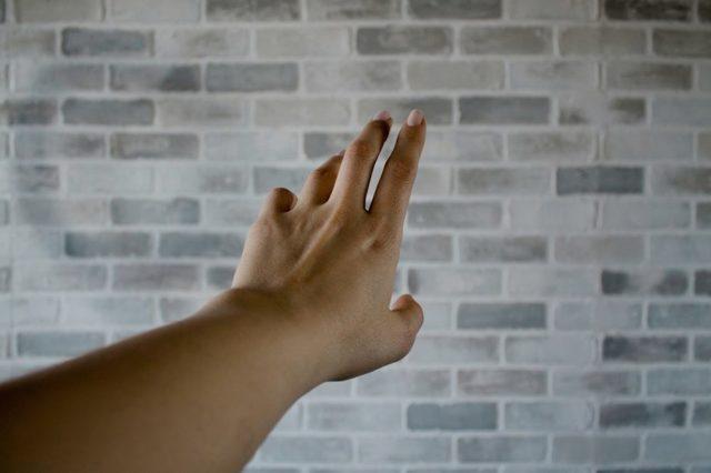 Что делать если при волнении трясутся руки