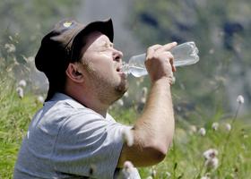 Почему возникает жажда: основные причины, возможные заболевания, способы решения проблемы, меры профилактики