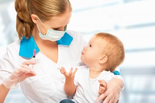 Прививка БЦЖ новорожденному: стоит ли ее делать, возможные осложнения и противопоказания к вакцинации, отзывы врачей и родителей