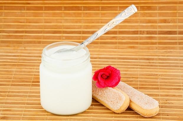 Простокваша: химический состав и полезные свойства, противопоказания к употреблению