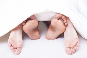 Простой герпес у женщин:признаки, симптомы, сыпь на губах и на теле