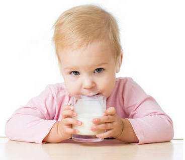 Простуда у детей, взрослых и беременных женщин: как проявляется и что можно принимать при первых симптомах?