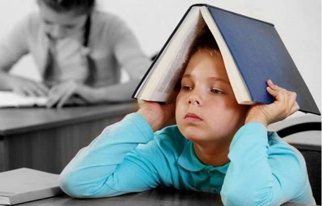 Рассеянность и невнимательность у детей: дошкольников и школьников, какие причины?