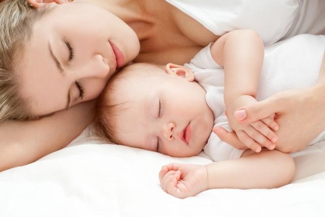 Ребенок не наедается грудным молоком: характерные проявления, способы решения, полезные советы