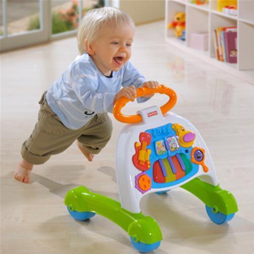 Ребенок после года не ходит самостоятельно: что делать, как научить ребенка ходить?