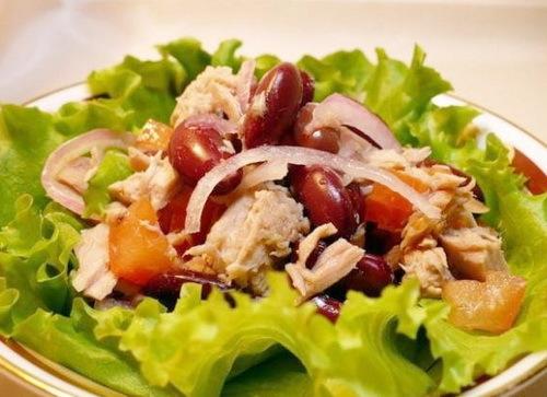 Салат с курицей и фасолью — лучшие рецепты