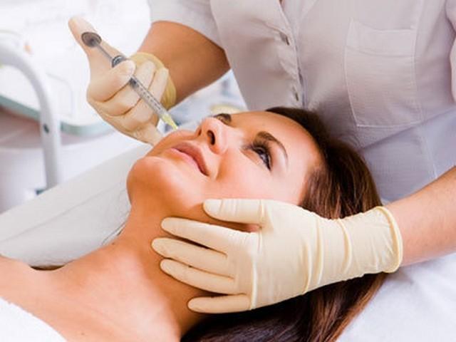 Салонные процедуры от прыщей: обзор профессиональных методик для оздоровления кожи лица